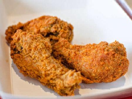 Панирани пържени пилешки бутчета / крилца без мазнина в еър фрайър / фритюрник с горещ въздух - снимка на рецептата